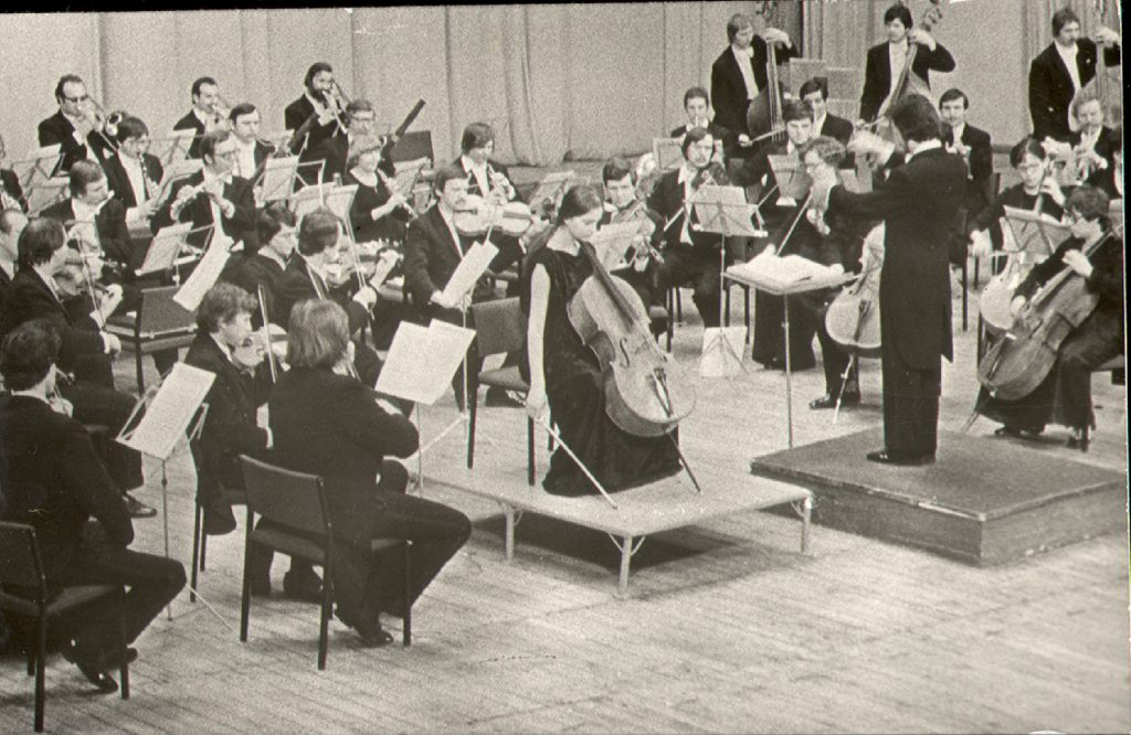 Nina Kotova performing with an orchestra at the age of 11